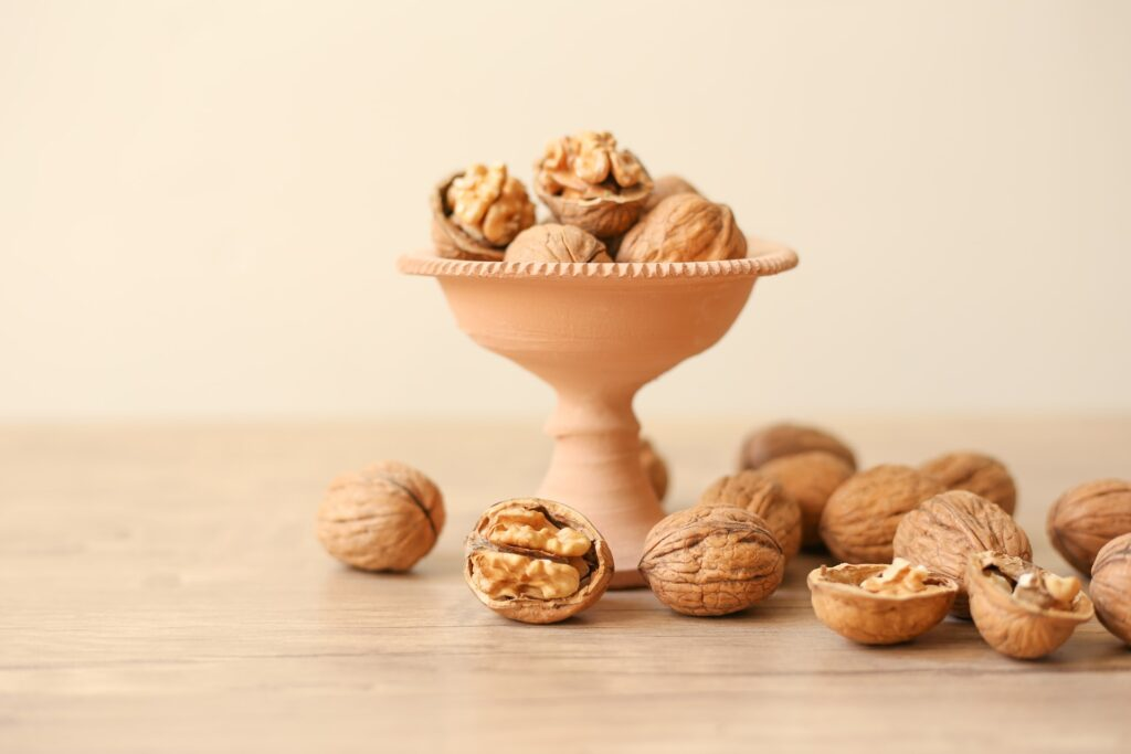 Half-cup of Walnuts Daily Lowers Bad Cholesterol Even in Statin Drug Users